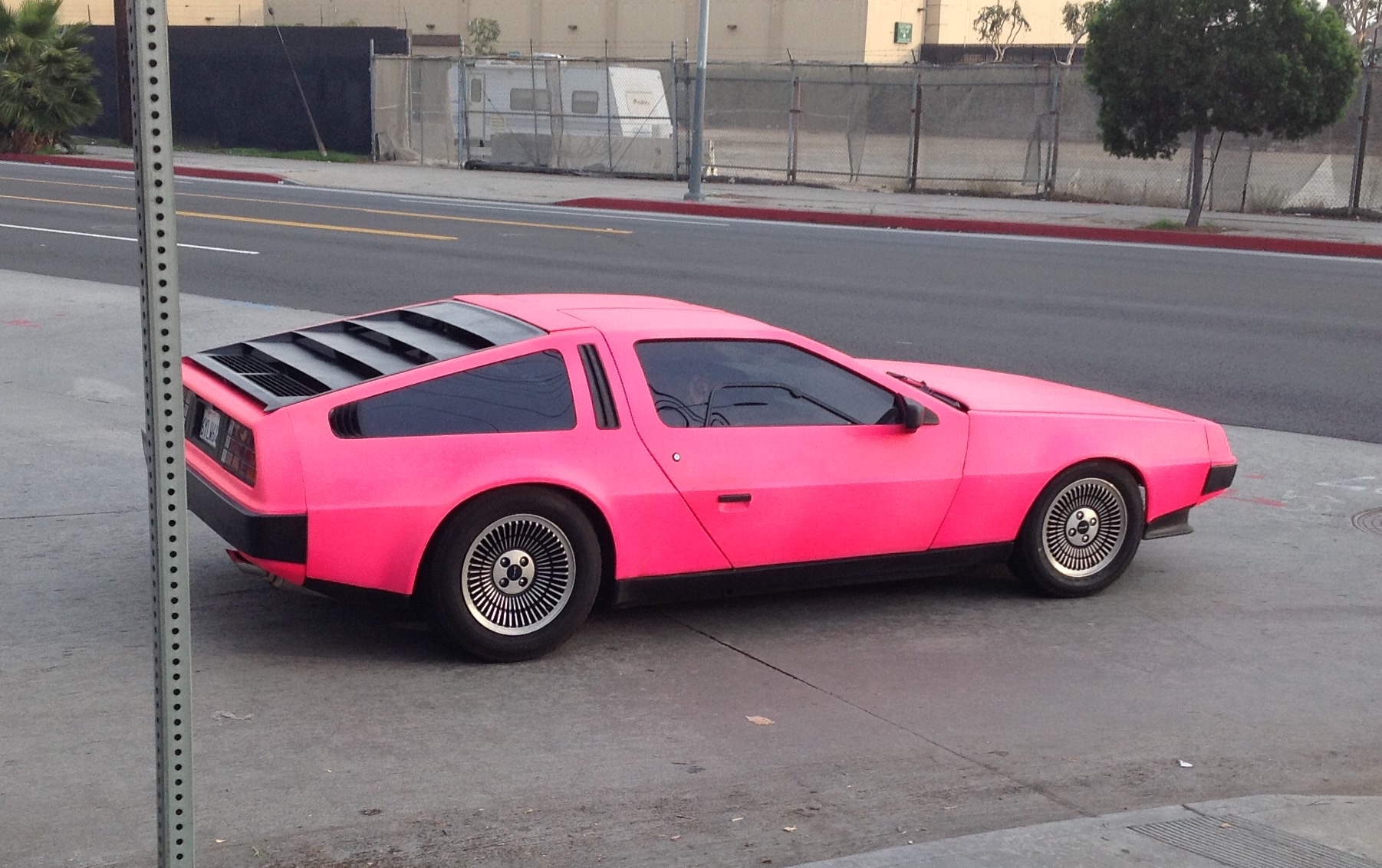 pink-delorean
